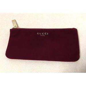 GUCCI Parfums BURGUNDY VELVET  Makeup Bag,